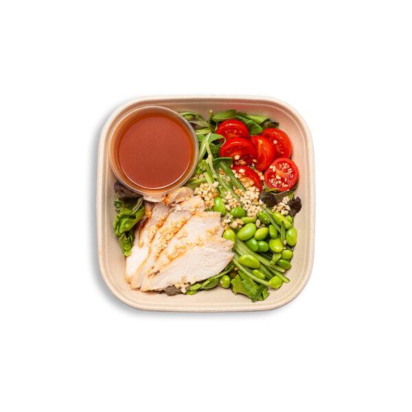 Vistas salāti zemesriekstu mērcē